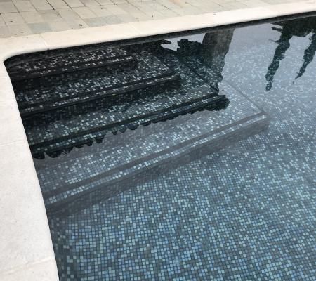 Travaux de maçonnerie piscine pour un escalier piscine à Nice (06)
