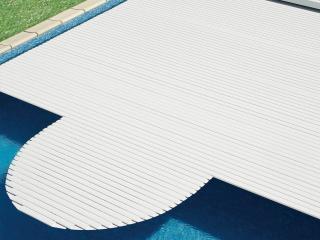 Pose d'un volet automatique couverture piscine