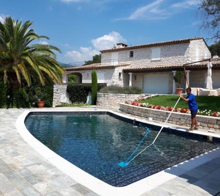 Entretien de piscine : contrats et conseils